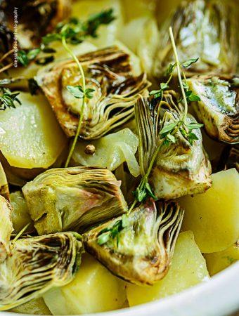 Crema de alcachofas con tomillo fresco y  pimientas