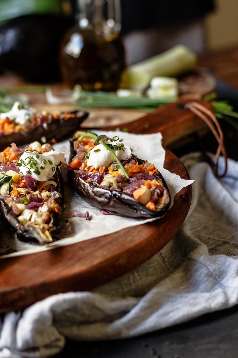 Receta de berenjenas rellenas de verduras.