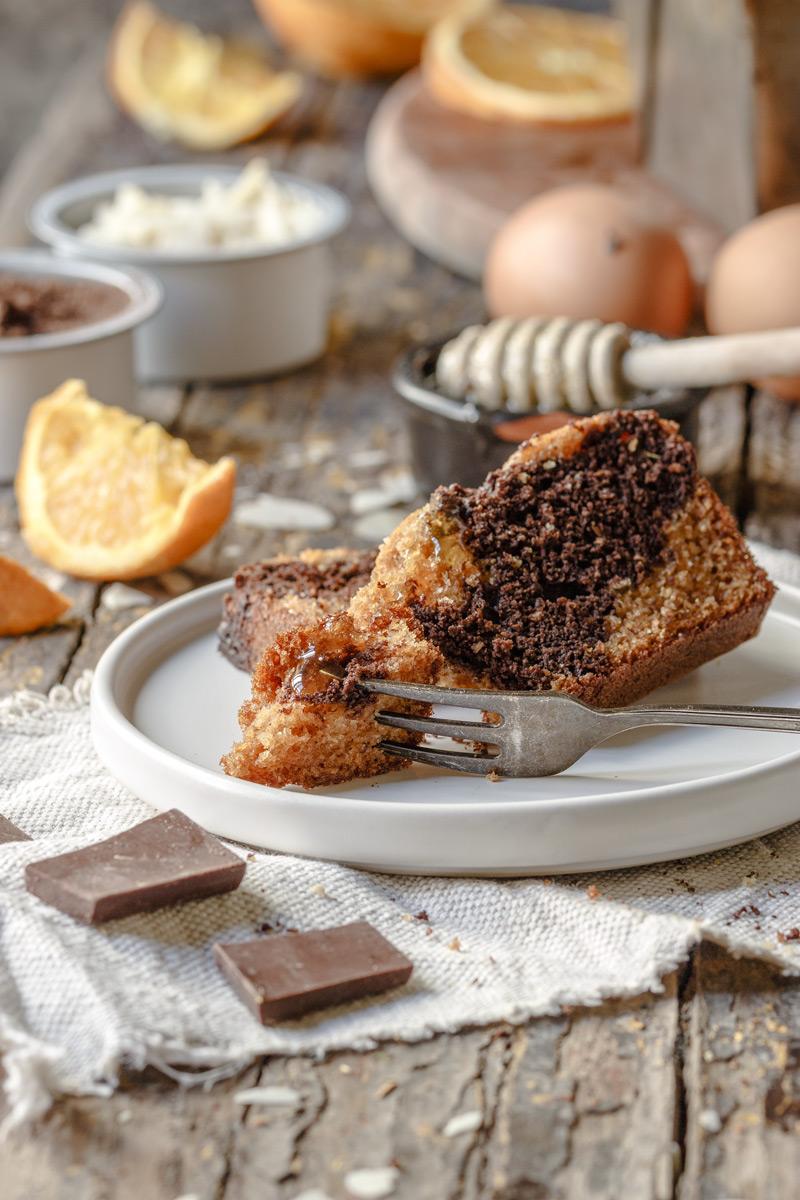 Bizcocho de chocolate y naranja saludable