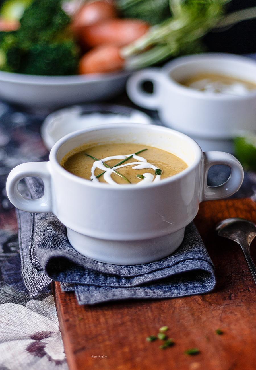 Yogur griego. Ingrediente crema de verduras casera