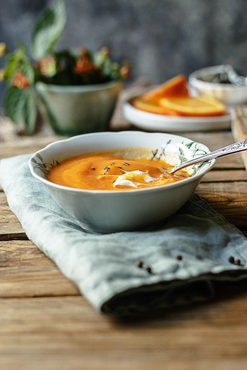 Crema de zanahoria y naranja paso a paso.