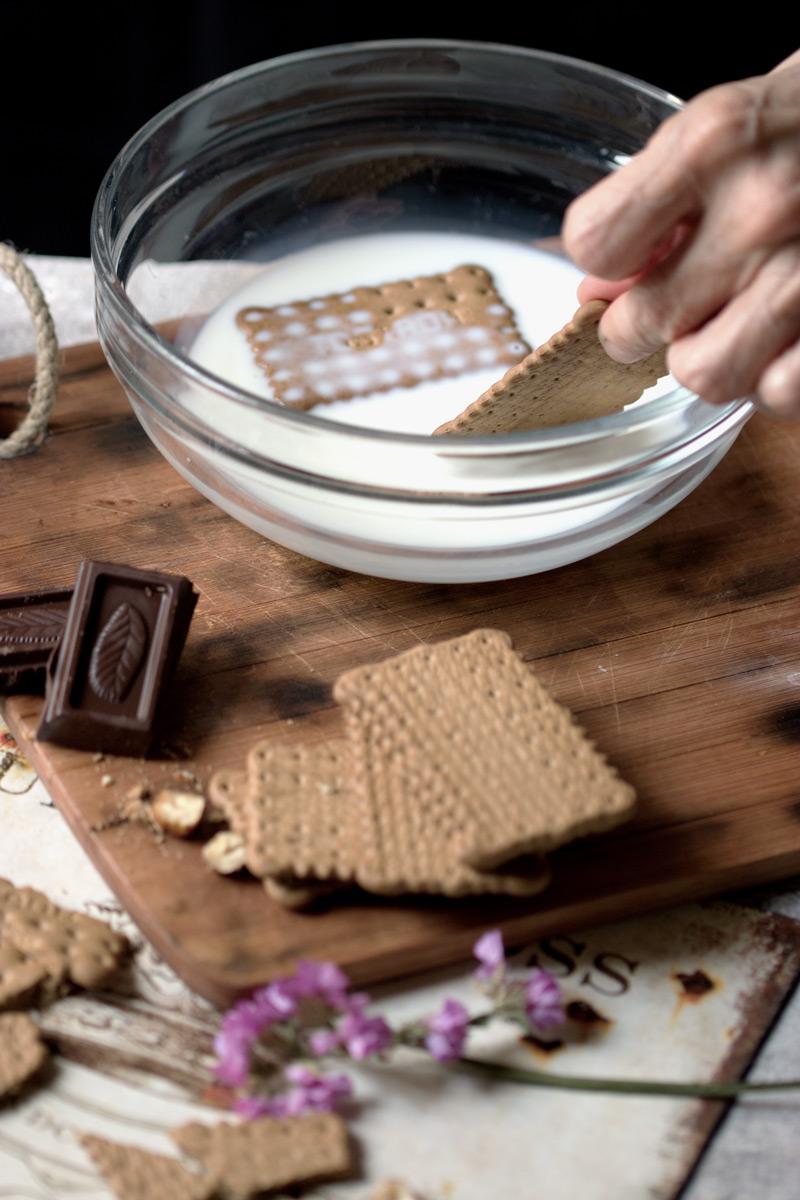 Tarta de chocolate y galletas casera