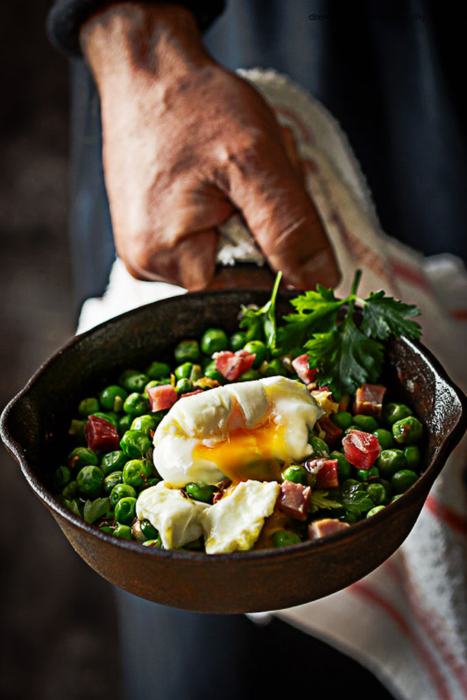 Receta de guisantes con jamón y huevo