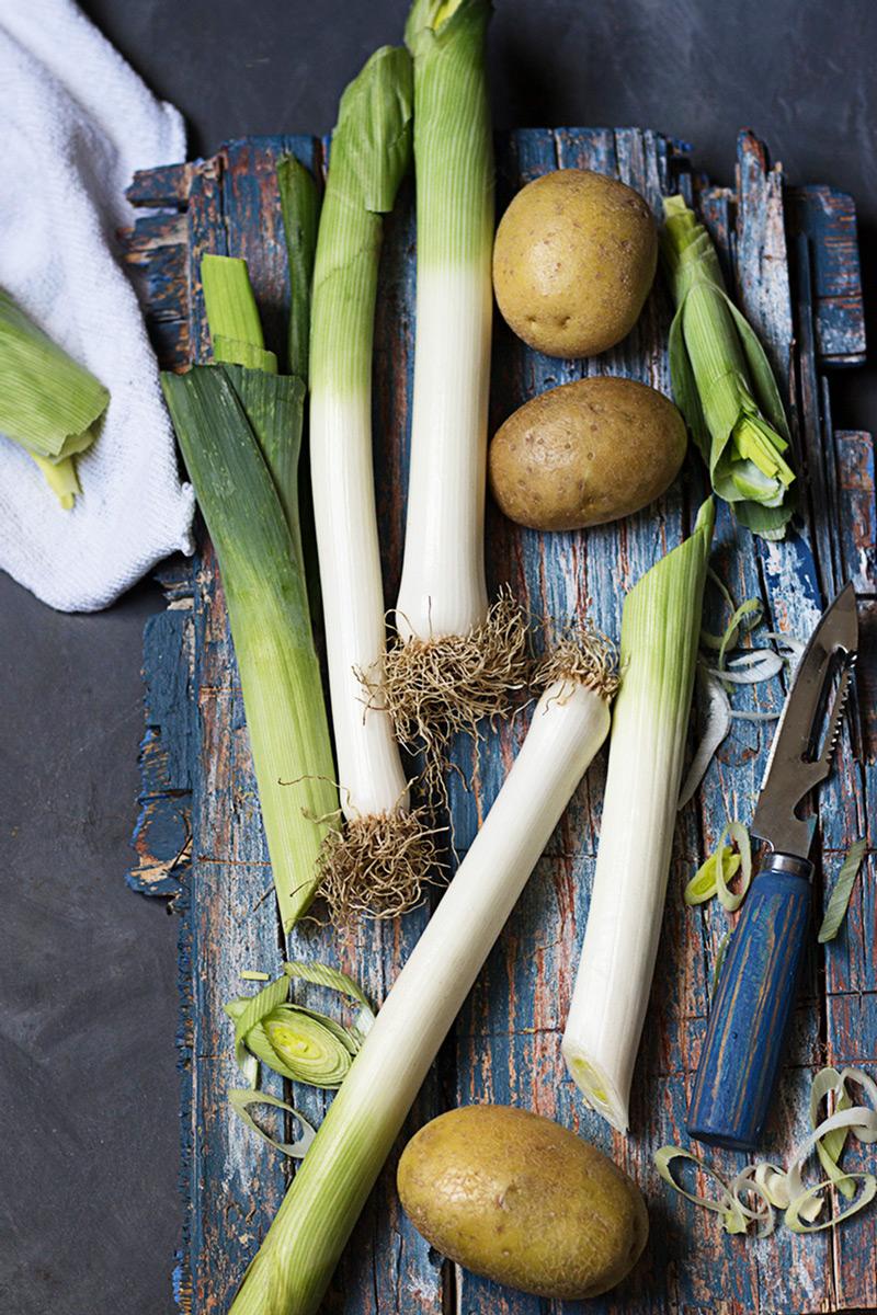 Receta de vichyssoise con puerros y patatas.