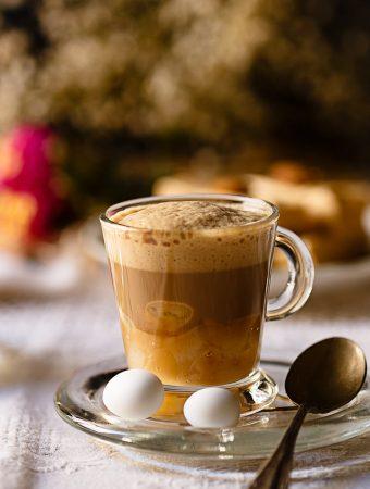 Café capuccino  de turrón y pera
